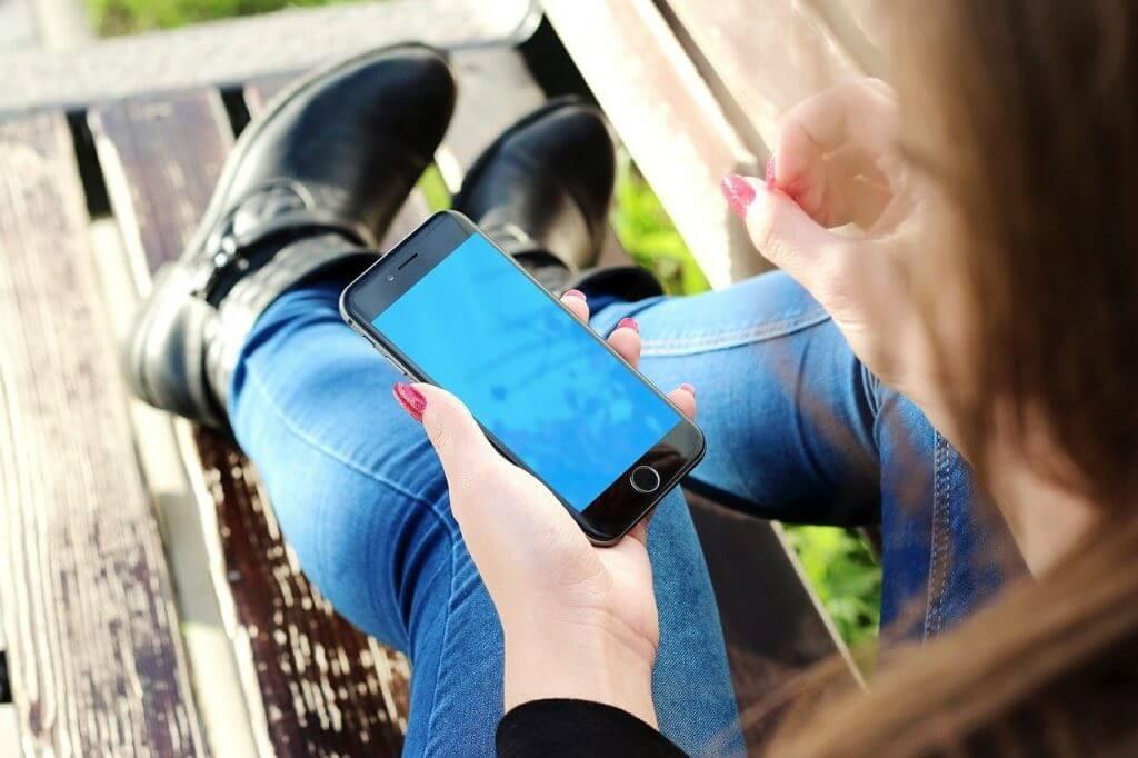 Światowy Dzień Zdrowia Psychicznego – telefony kontaktowe
